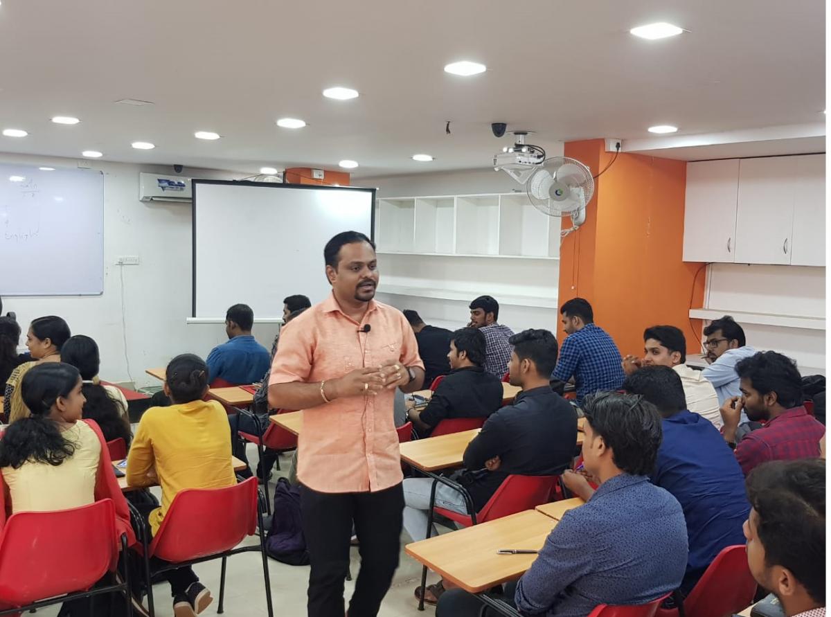 Dr.subin-Motivational class @ Alchemy IAS Institute